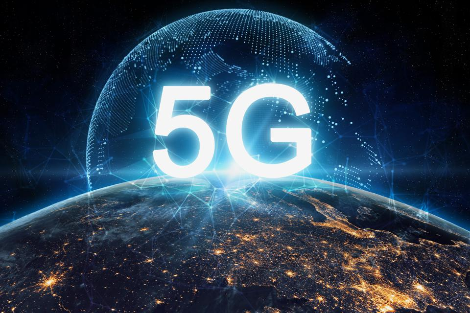 A difficult question that even Apple cannot answer: Do people on earth really want 5G?